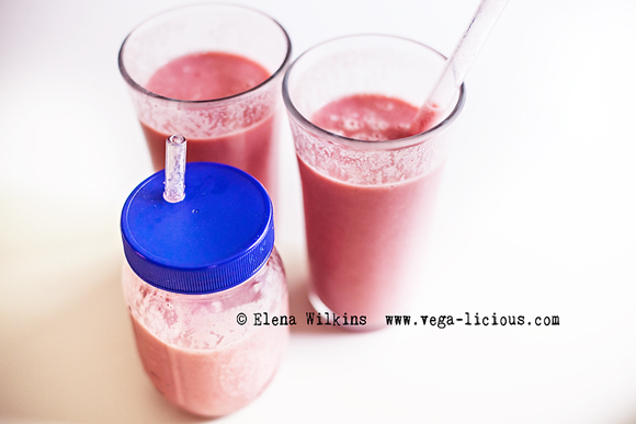 fruit-smoothie-recipe-pretty-in-pink